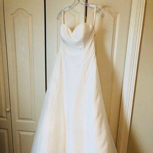 New wedding dress never altered never worn